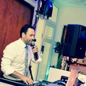 Mobiler DJ – Polterabende – Hochzeiten – Silberhochzeiten – Geburtstage – Betriebsfeste – Partys – Musik für jeden Anlass für jung und alt Selm – Unna – Dortmund – Münster – ganz NRW